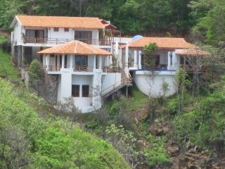 Casa La Joya - Luxurious Oceanfront -Redonda Bay - Tola vacation rentals