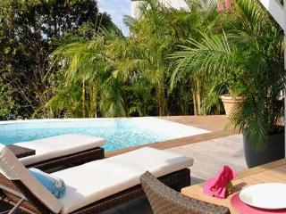 Bungalow with own private beach overlooking Marigot Bay WV DRE - Marigot vacation rentals