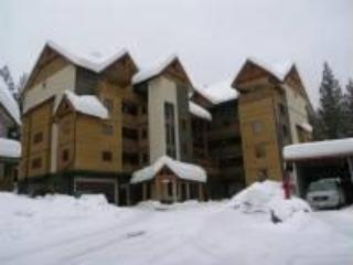 Cozy Condo with Deck and Satellite Or Cable TV - Rossland vacation rentals