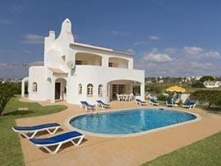 charming 4 bdr Villa pool at Sesmarias Albufeira - Image 1 - Albufeira - rentals