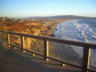"""Sea Glass"" Stunning Bluff Home,Walk to Beach! Hot Tub! 4 min walk to Beach! - Dillon Beach vacation rentals"