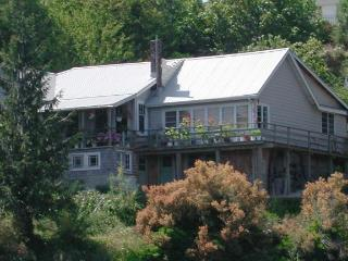 Lovely House with Deck and Internet Access - Texada Island vacation rentals