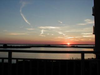 Sunsetbay Luxury Bayfront condo Sleeps 10 No Senior week rentals allowed - Ocean City vacation rentals