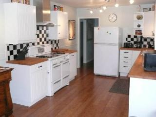 Above Broadway- Mary Jean's Place - Sonoma vacation rentals