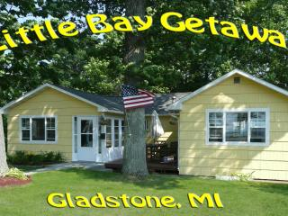 """Little Bay Getaway"" Cottage on Beautiful Lake Michigan - Gladstone vacation rentals"