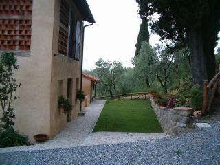 FIORDALISO LUCCA garden Pool & Stunning views WIFI - Lucca vacation rentals