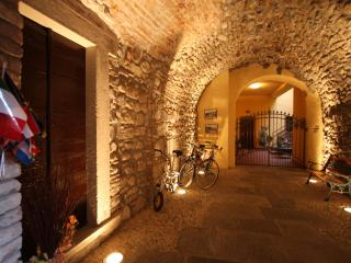 Apartment  in historic centre, close to the lake - Sensole vacation rentals