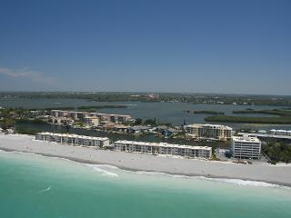 BEACHFRONT 1BR CONDO @ FISHERMAN'S COVE -GROUND FL - Siesta Key vacation rentals