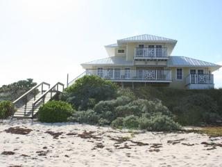 NEW LUXURY OCEANFRONT HOME - PRIVATE BEACH & DOCK - Tilloo Cay vacation rentals
