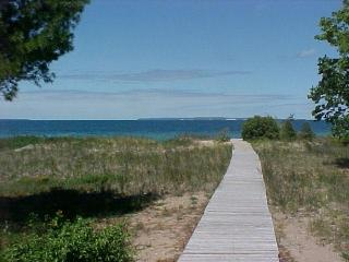 Glen Arbor Cottage - Lake Leelanau vacation rentals