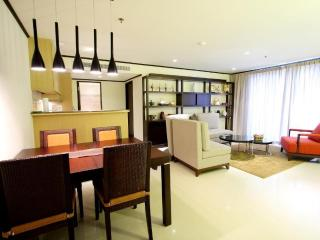 1 Bedroom High Floor Apt Sukhumvit Soi 13 Bangkok - Bangkok vacation rentals