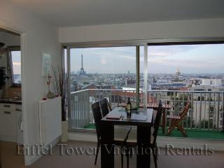 The Eiffel Tower Lookout - Paris vacation rentals