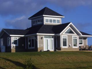 3 bedroom Cottage with Hot Tub in Baddeck - Baddeck vacation rentals