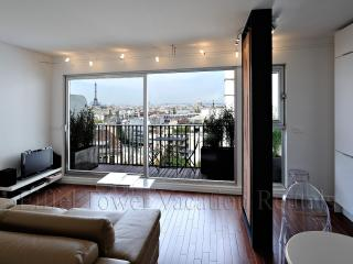 Eiffel Tower Romance Apartment - Paris vacation rentals
