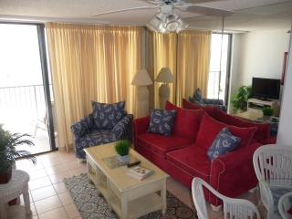 Marco Beach front with Everything Close - Marco Island vacation rentals