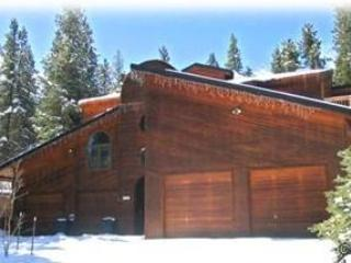 LARGE IN-TOWN HOME. HOT TUB, SAUNA, POOL TABLE, - Breckenridge vacation rentals