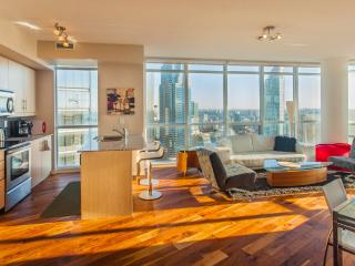 New Central Toronto Condo, Great City & Lake Views - Toronto vacation rentals