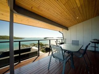 2 bedroom Apartment with A/C in Hamilton Island - Hamilton Island vacation rentals