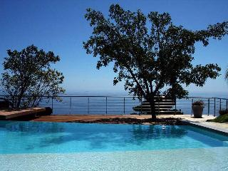 Upper Camps Bay Guest House - Cape Town vacation rentals