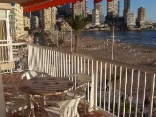 Levante Beach Front Line - 2-bedroom apartment - Benidorm vacation rentals