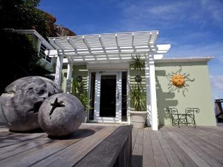 Oceanfront, 4 bedroom, 4.5 bath, luxury Villa - Peterborg vacation rentals