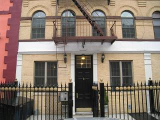2 Bed Room ground floor with Garden Manhattan - New York City vacation rentals