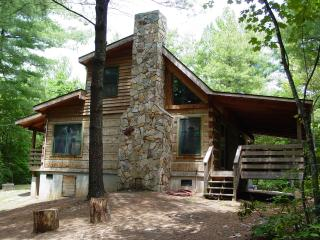 Honeymoon/Hot Tub/WiFi/Hiking/Fire Pit-Specials - Boone vacation rentals
