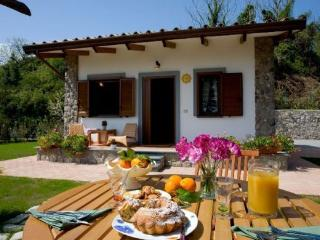 Oasis Sun Cottage - Campania vacation rentals