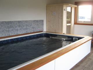 4 bedroom Cottage with Heated Pool in Dornoch - Dornoch vacation rentals