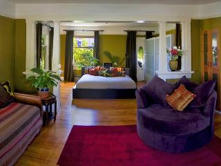 Nice 1 bedroom Santa Barbara Apartment with Deck - Santa Barbara vacation rentals