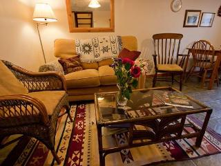 Honeysuckle Holiday Cottage. Castleton. Derbyshire - Castleton vacation rentals