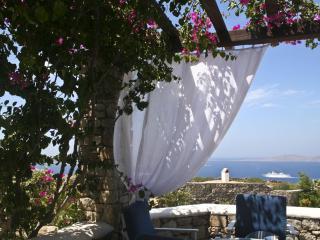 Wonderful 4 bedroom Villa in Ornos with Internet Access - Ornos vacation rentals