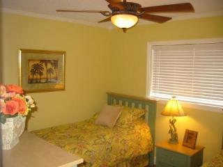 Beach Resort Condo - Indoor/Outdoor Pools, Tennis! - Hilton Head vacation rentals