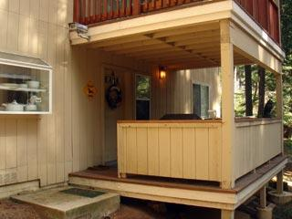 Outer deck and front entry - Yosemite 1 bedroom rental near Yosemite Ski area - Yosemite National Park - rentals