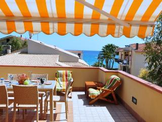 Apartment Eucaliptus 40 mt from beach, sea view - Avola vacation rentals