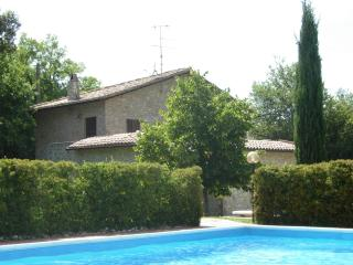 Beautiful House with Deck and Satellite Or Cable TV - Montecchio vacation rentals