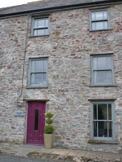 Historic property in the heart of Laugharne, Wales - Laugharne vacation rentals