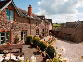 Long Barn Luxury Holiday Cottage - Newton Abbot vacation rentals