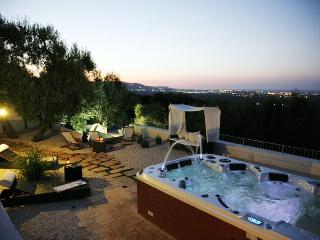 Vigne di Salamina, Jacuzzi and sea views terraces - Selva di Fasano vacation rentals