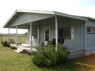 Goin' Country B & B - Ledbetter vacation rentals