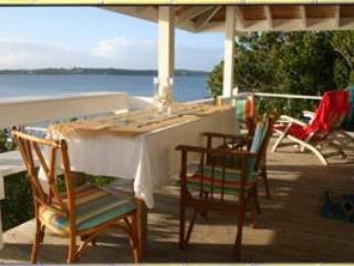 Tween Waters' Tilloo Cottage & additional Bungalow - Tilloo Cay vacation rentals