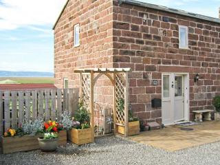 LAVENDER COTTAGE, family friendly, country holiday cottage, with a garden in Neston, Ref 5384 - Neston vacation rentals