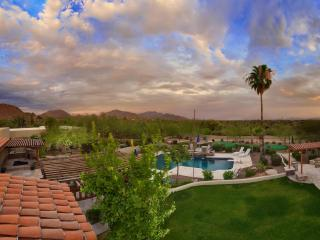 Additional 25% Off Now! Huge Pool, Bocce Court, Hot Tub, Putting Green, More! - Scottsdale vacation rentals