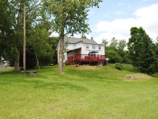 5br farmhouse minutes from Dreams Park - Milford vacation rentals