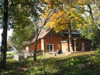 Dee's Lake House welcomes College Grad families - Lake Champlain Valley vacation rentals