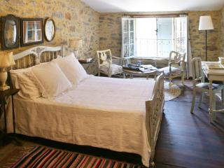 16th Century  Southern French Shoemaker's Cottage - Malves-en-Minervois vacation rentals