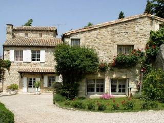 Uzes Country Retreat villa to let in Uzes france, Uzes villa for rent, villas in provence France, holiday villa in Uzes - Uzes vacation rentals