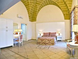 Charming Flat ''Dimora Stelle sul Corso'' - Gallipoli vacation rentals