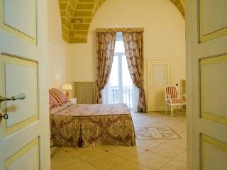 Charming Flat ''Dimora Stelle sul Corso'' - Gallipoli vacation rentals