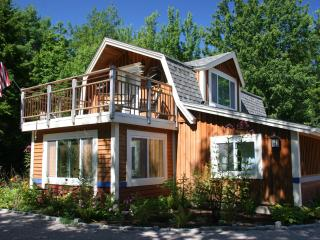 Perfect Cottage with Deck and Internet Access - Southwest Harbor vacation rentals